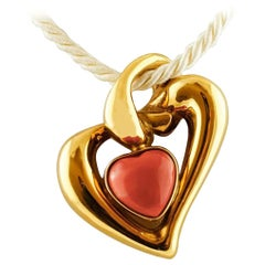 Heart Pendant in 18 Karat Yellow Gold and Rubrum Coral