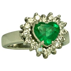 Heart Shape Colombian Emerald Diamond Ring 18 Karat