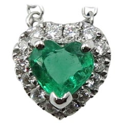 Heart Shape Emerald Diamond 18 Karat White Gold Necklace