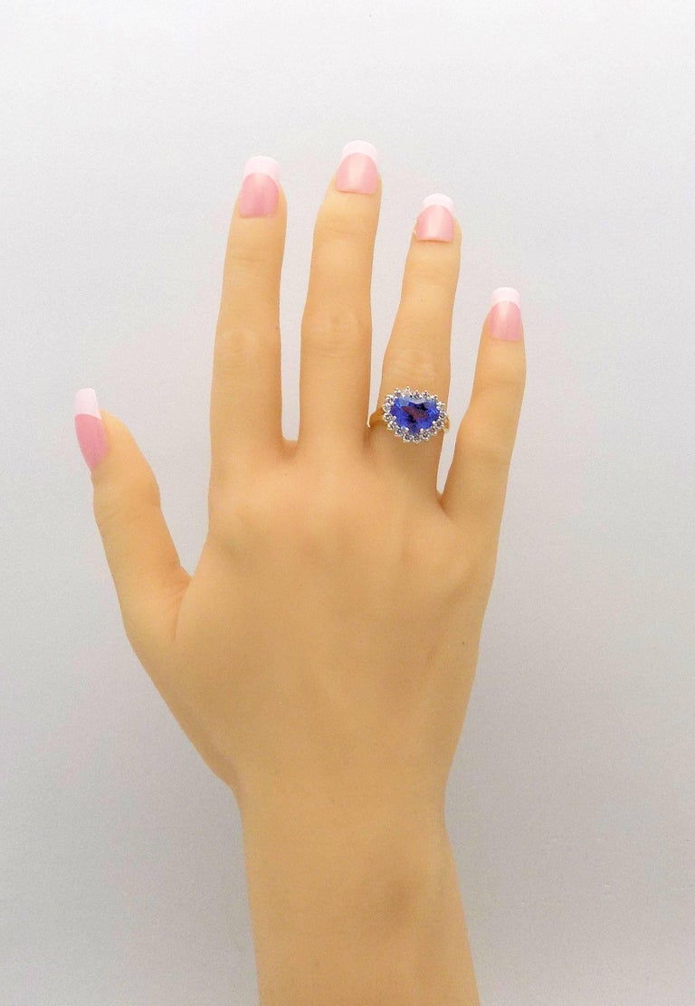 Heart Shape Sapphire and Diamond Ring For Sale 7