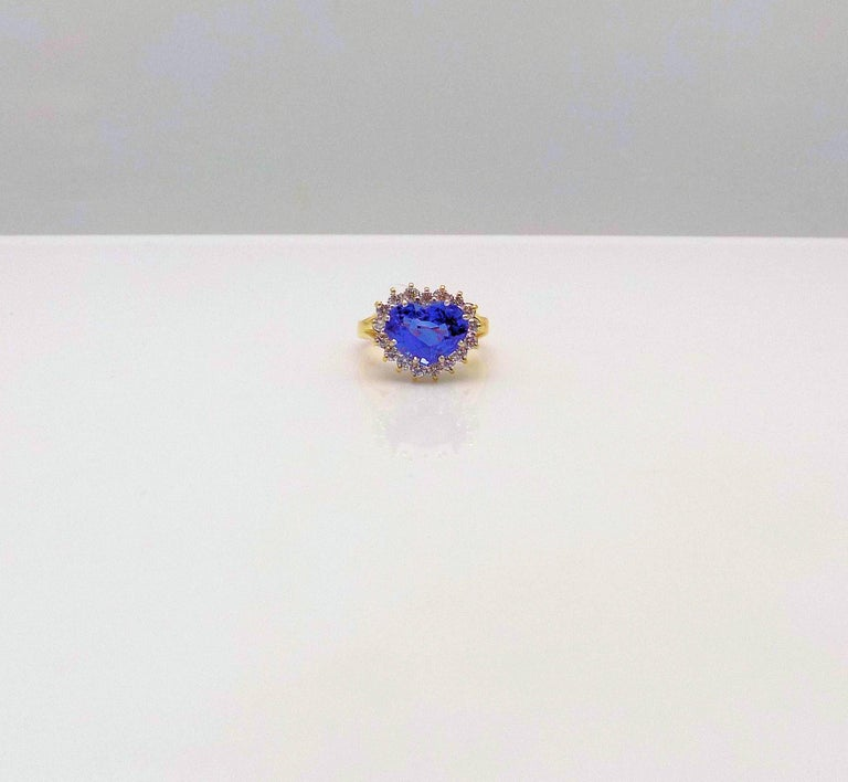 Heart Shape Sapphire and Diamond Ring For Sale 1