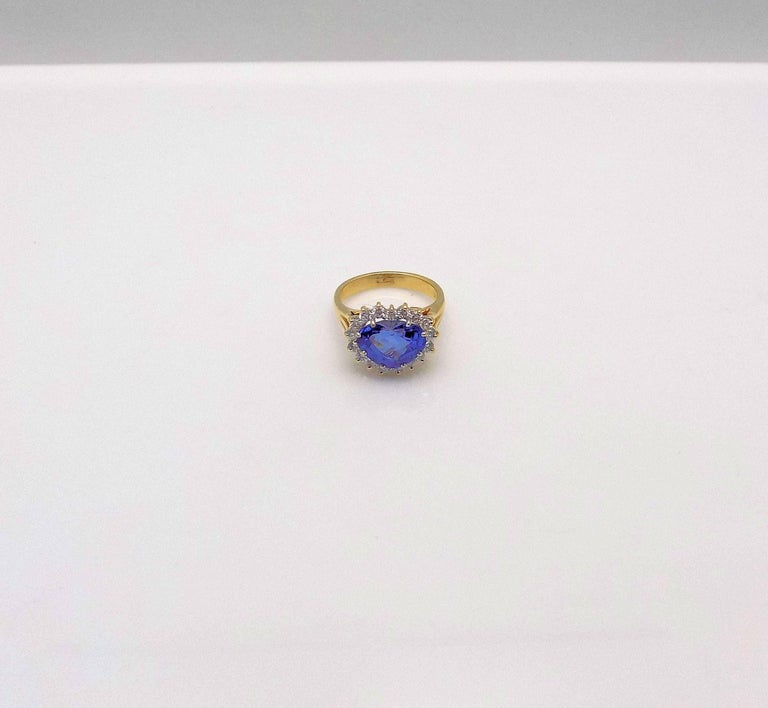 Heart Shape Sapphire and Diamond Ring For Sale 2