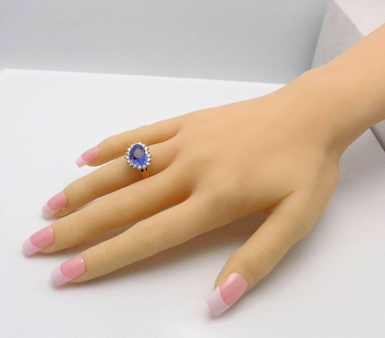 Heart Shape Sapphire and Diamond Ring For Sale 5