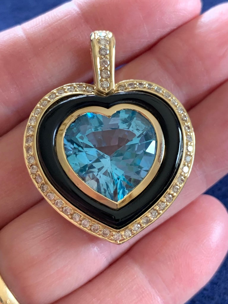 Heart Shaped 10 Carat Blue Topaz Onyx and Diamond Pendant in 9 Carat Yellow Gold For Sale 1