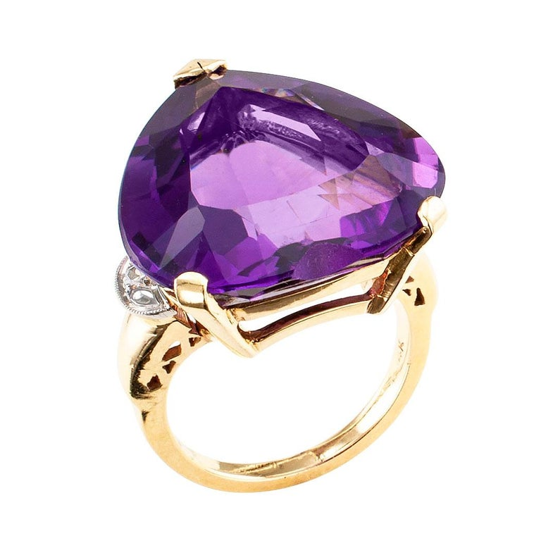 Women's or Men's Heart Shaped Amethyst Diamond Gold Cocktail Ring For Sale