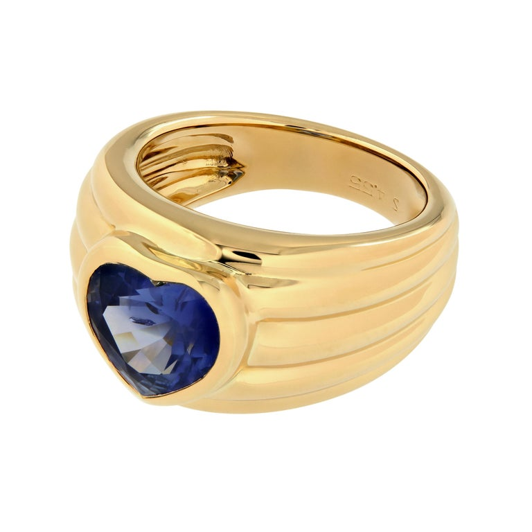 Women's Heart Shaped Blue Sapphire 18 Karat Yellow Gold Band Ring For Sale