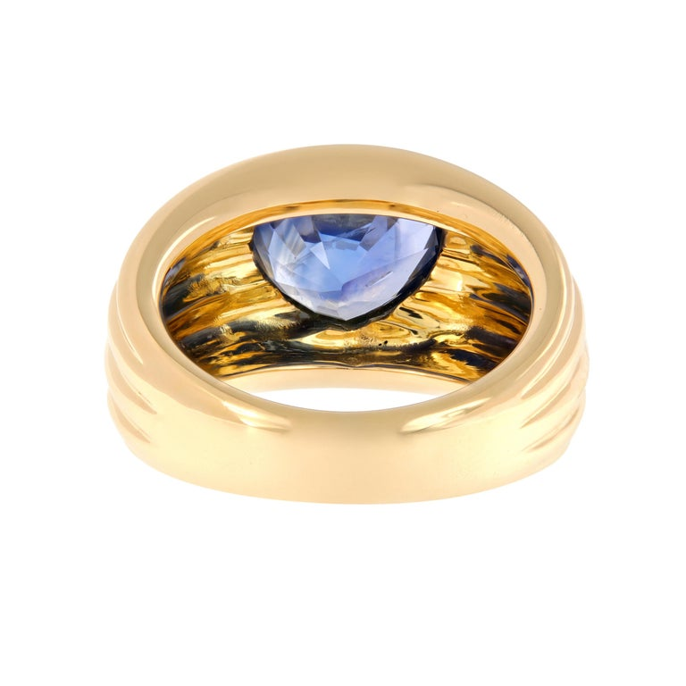 Heart Shaped Blue Sapphire 18 Karat Yellow Gold Band Ring For Sale 1