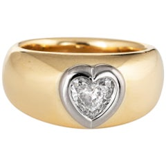 Heart Shaped Diamond Band Vintage 18 Karat Yellow Gold Heavy Ring Estate Jewelry