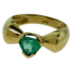 Heart Shaped Emerald in 18 Karat Yellow Gold Ring