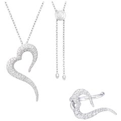 18 Karat White Gold and White Diamonds Heart Shaped Ring and Pendant