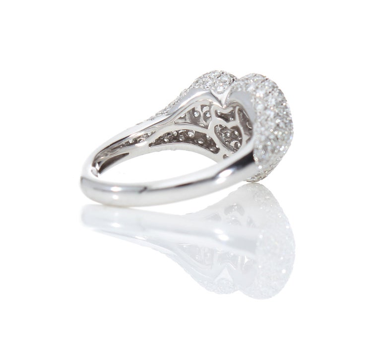 Heart-Shaped Ring with 1.75 Ct Diamond Pavè, 18 Kt White Gold Ring For Sale 4