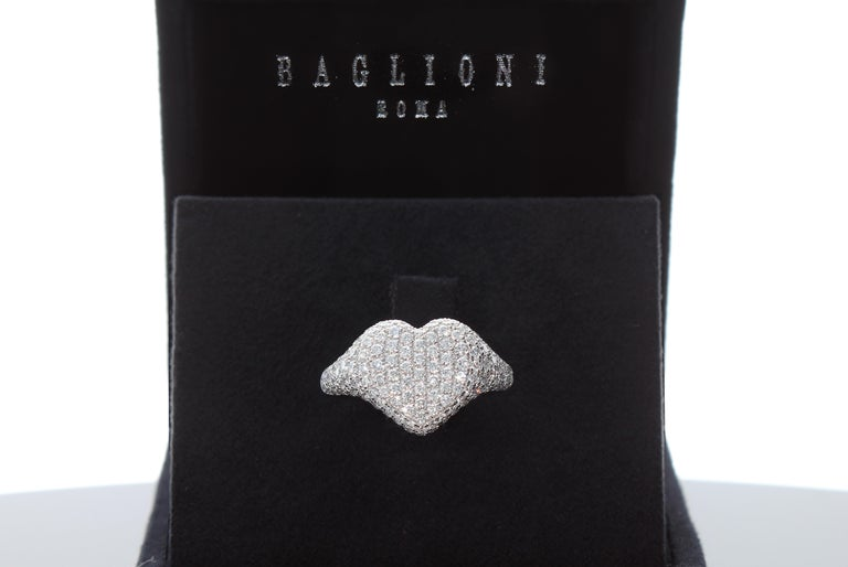 Brilliant Cut Heart-Shaped Ring with 1.75 Ct Diamond Pavè, 18 Kt White Gold Ring For Sale