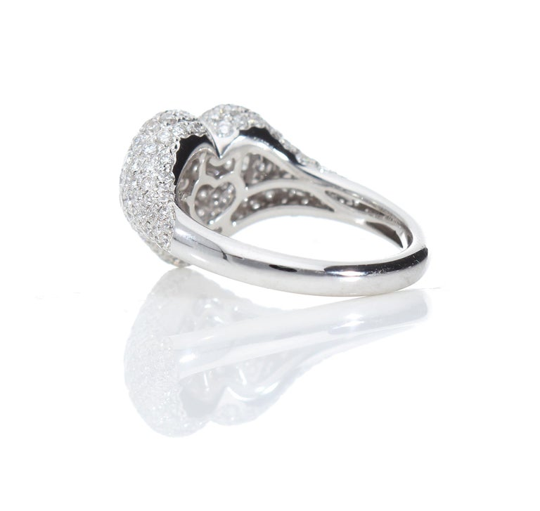 Heart-Shaped Ring with 1.75 Ct Diamond Pavè, 18 Kt White Gold Ring For Sale 2