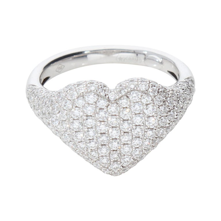 Heart-Shaped Ring with 1.75 Ct Diamond Pavè, 18 Kt White Gold Ring For Sale