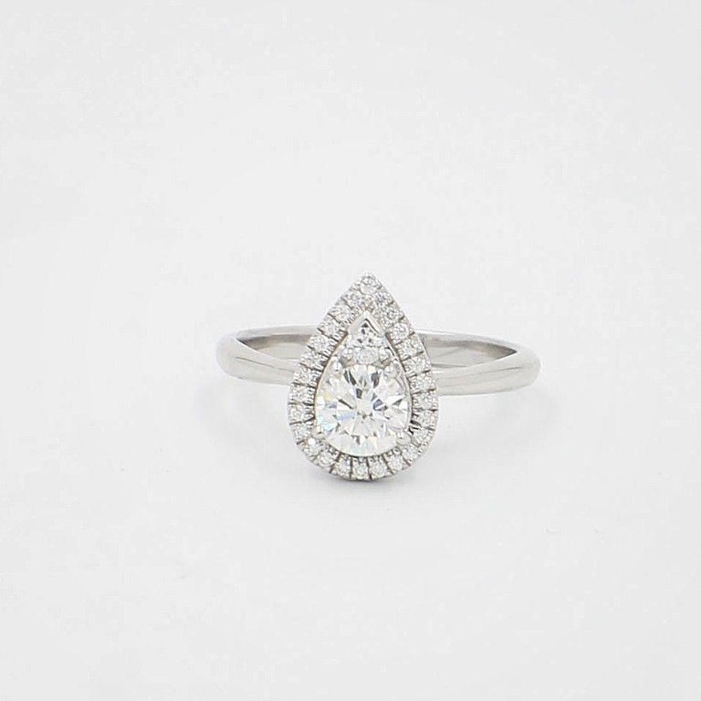 Hearts on Fire Destiny Teardrop Shape Halo Engagement Ring Round 0.88 Carat In Excellent Condition For Sale In San Diego, CA