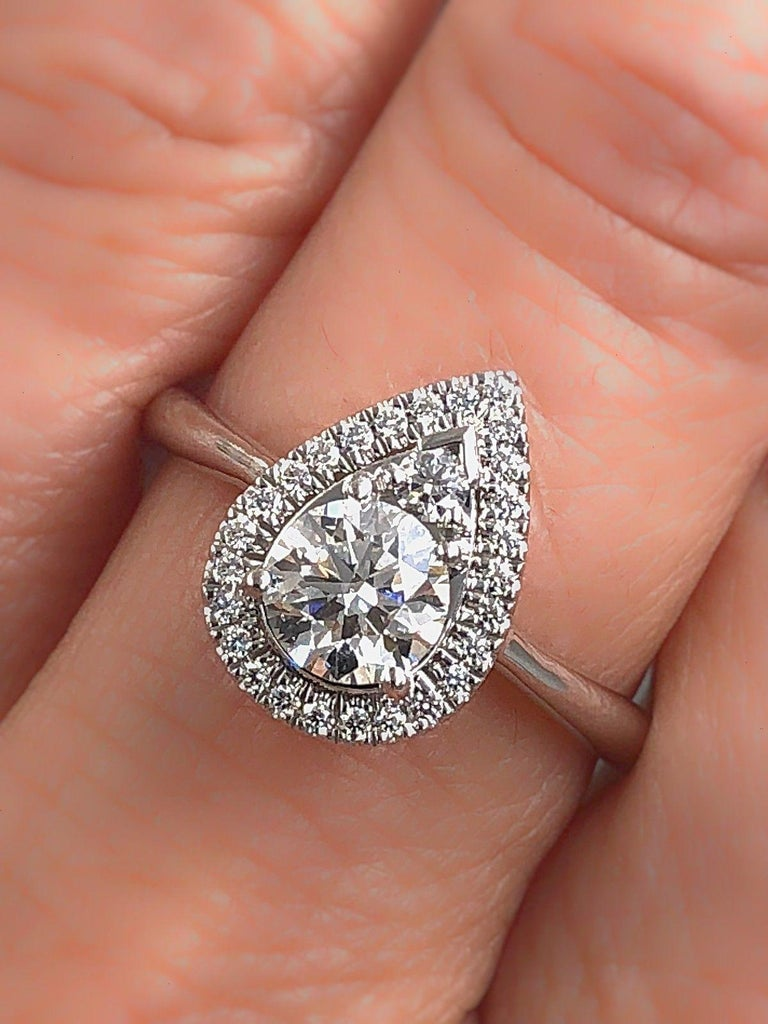Hearts on Fire Destiny Teardrop Shape Halo Engagement Ring Round 0.88 Carat For Sale 3