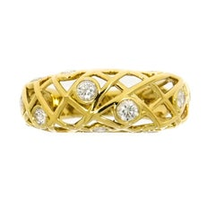Hearts on Fire Diamond Brocade Yellow Gold Band