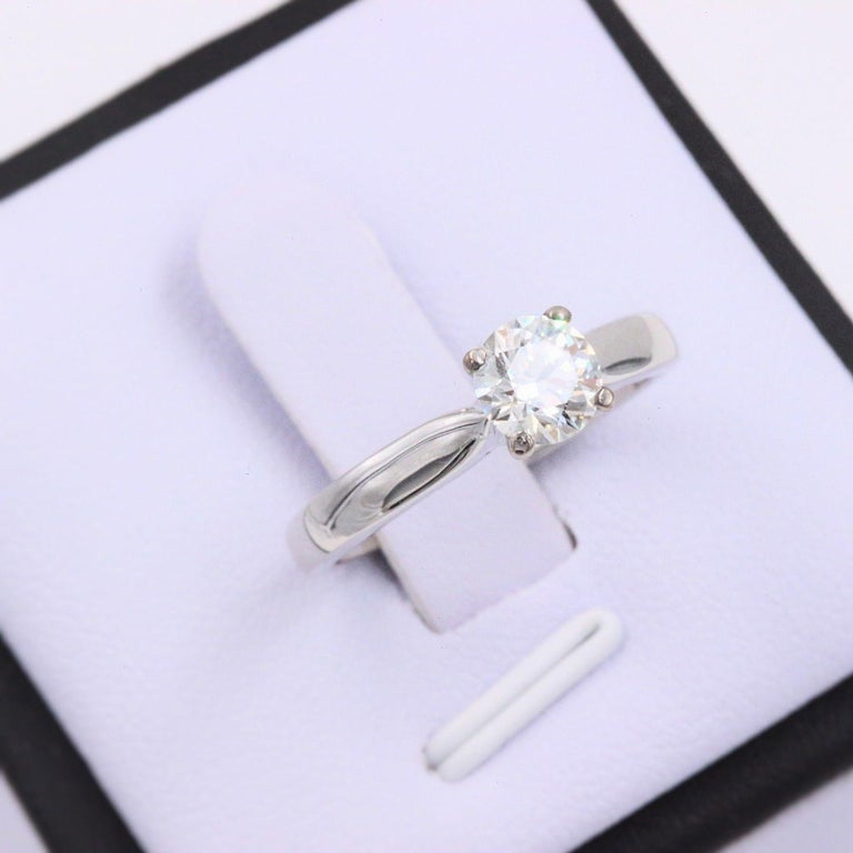 Hearts on Fire Signature Diamond Engagement Ring Round 0.71 Carat 18 Karat Gold For Sale 6