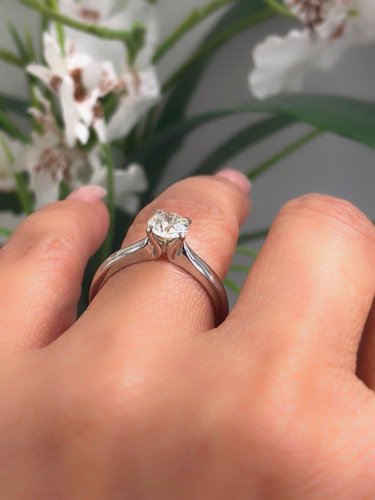 Hearts on Fire Signature Diamond Engagement Ring Round 0.71 Carat 18 Karat Gold In Excellent Condition For Sale In San Diego, CA