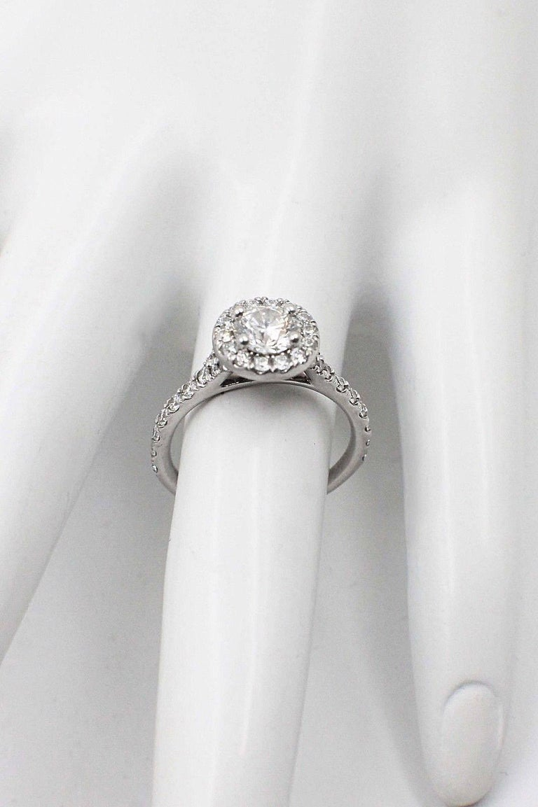 Hearts on Fire Transcend Single Halo Diamond Engagement Ring 1.02TCW in Platinum In Excellent Condition For Sale In San Diego, CA