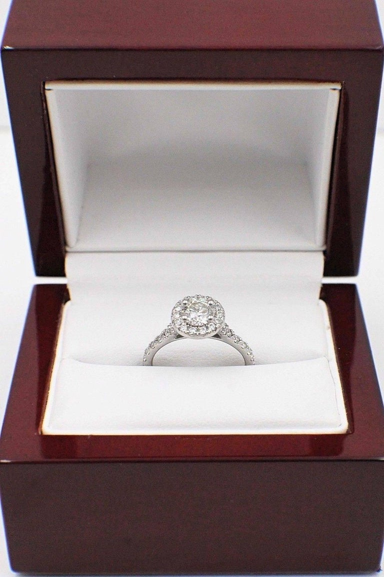 Hearts on Fire Transcend Single Halo Diamond Engagement Ring 1.02TCW in Platinum For Sale 3
