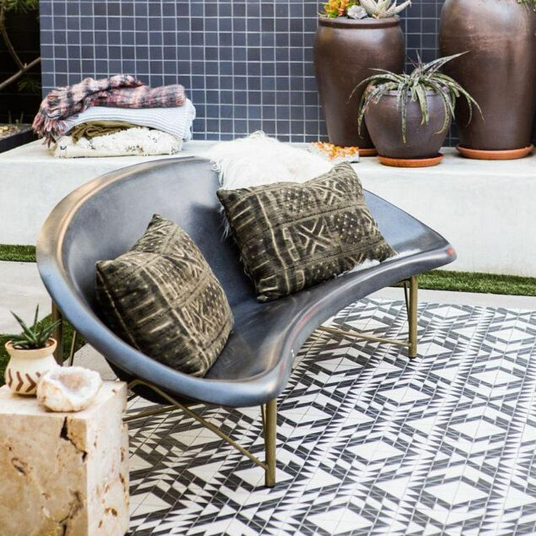 The Helios Metreo is a revolutionary piece of heated furniture made of cast stone and stainless steel by Galanter & Jones. Our newest multi-seater, the Metreo is a little smaller than the Helios lounge and a little bigger than the Helios love chair.