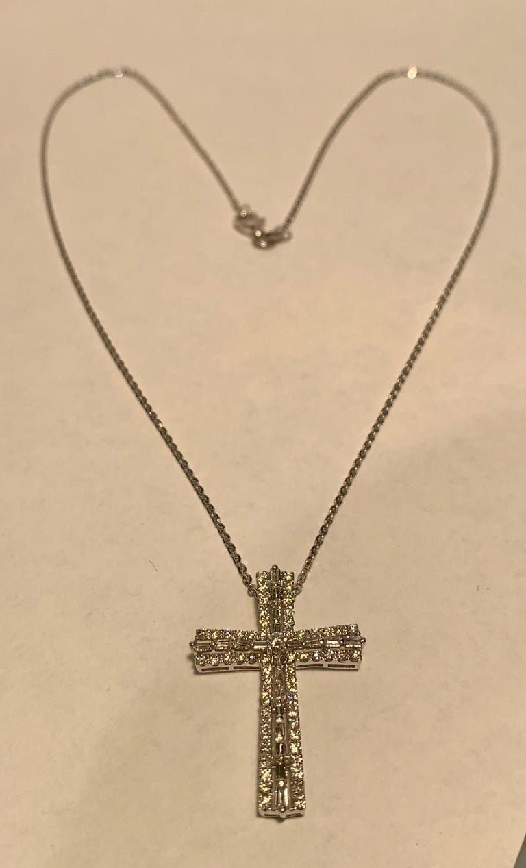 Heavenly 1.25 Carat Diamond Cross Pendant in 18K White Gold on White Gold Chain For Sale 3