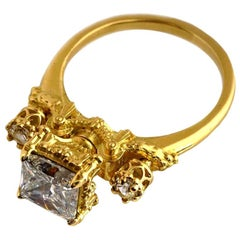 Heavenly Infatuation Ring in 18 Karat Yellow Gold with Diamonds