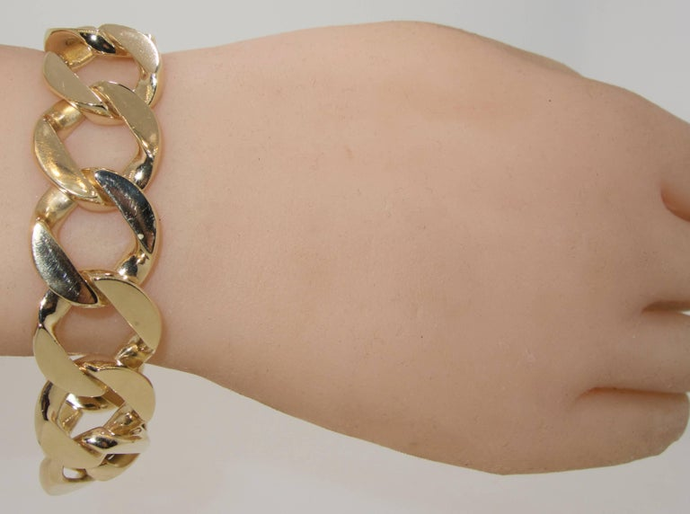 Heavy Gold Curb Link Bracelet In Excellent Condition For Sale In Aspen, CO