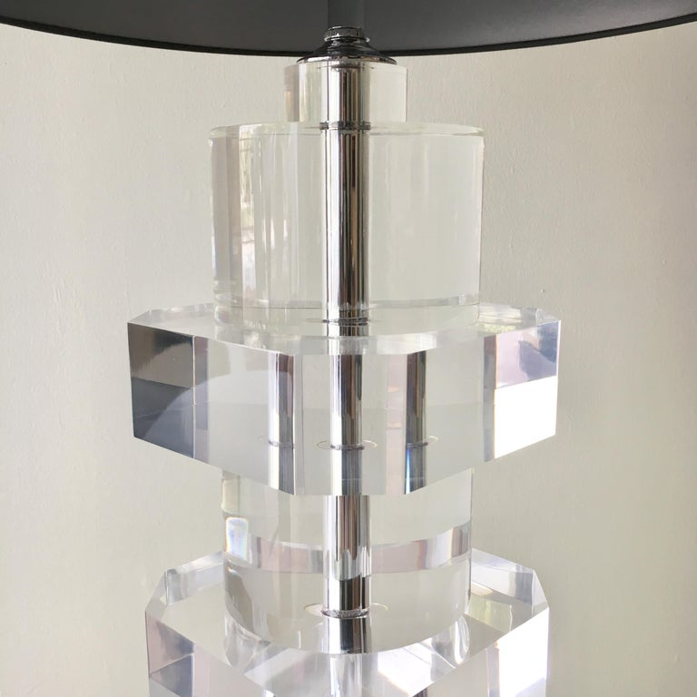 Heavy Lucite Table Lamp with Nickel Stem Detail, 1970s In Good Condition For Sale In London, GB