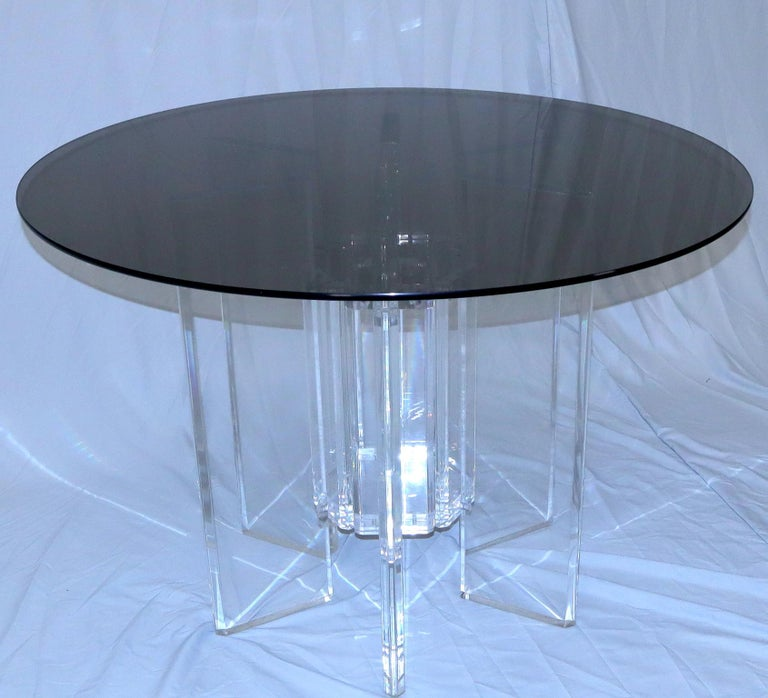 Heavy Massive Lucite Base Round Bronze Smoked Glass Top Dining Conference Table In Good Condition For Sale In Rockaway, NJ