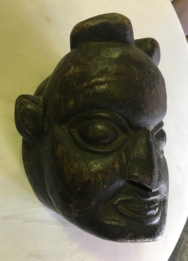 Papua New Guinean Heavy Oceanic Papua New Guinea or African Carved Wood Mask For Sale