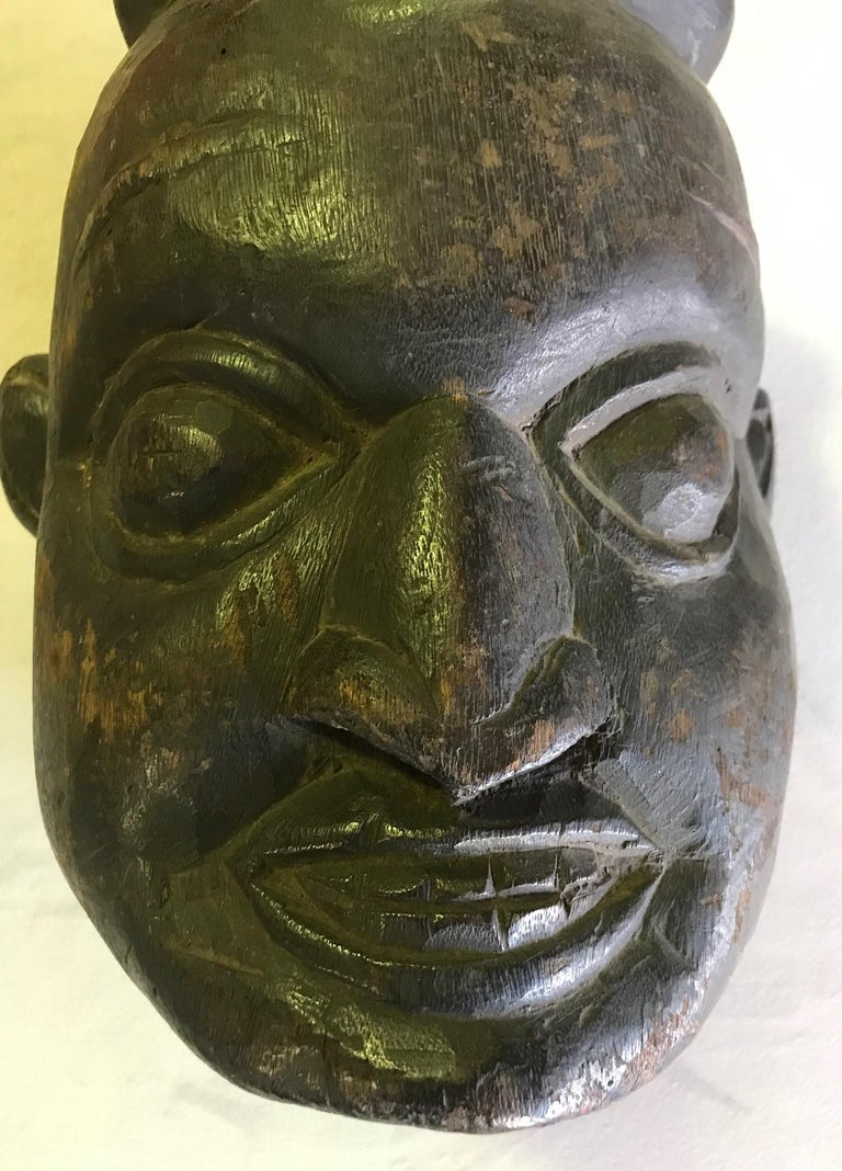 Hand-Carved Heavy Oceanic Papua New Guinea or African Carved Wood Mask For Sale