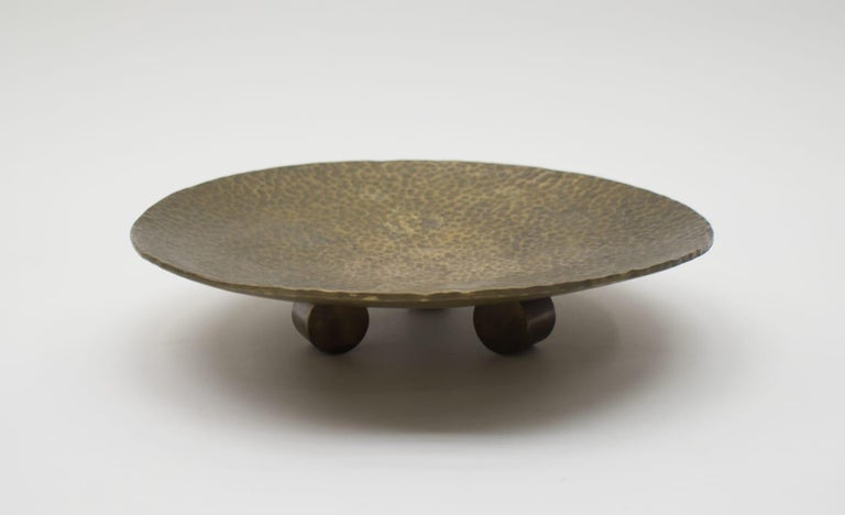 Mid-Century Modern Heavy Unique Bronze Hand Beaten Tripod Bowl, 1950s For Sale
