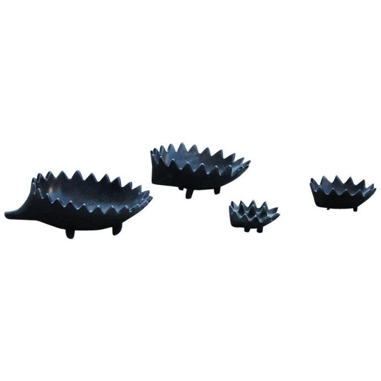Hedgehog-Shaped Stackable Ashtrays in Cast Metal Design 1970s Italian