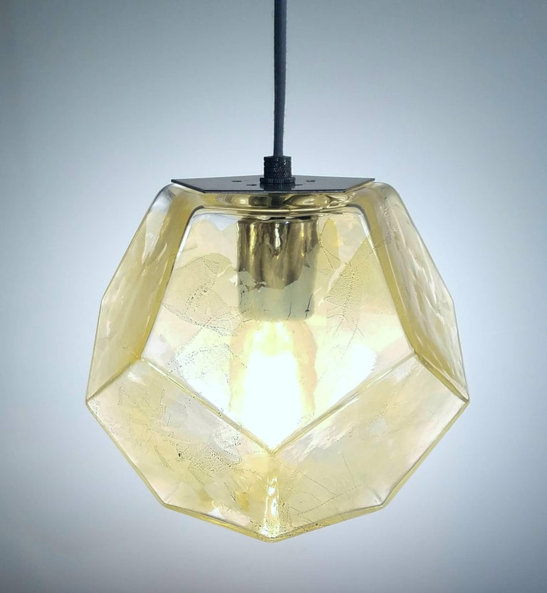 Hedron Series Chandelier in Silver Leaf, Handmade Contemporary Glass Lighting In New Condition For Sale In New York, NY