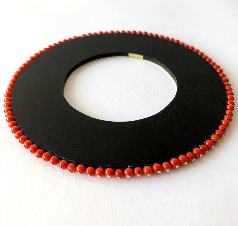 Artisan Heidi Abrahamson Coral Acrylic and Brass Post Modernist Bangle Bracelet For Sale