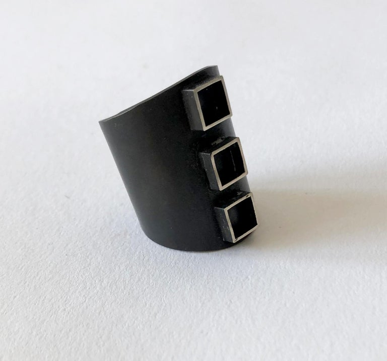 Heidi Abrahamson Oxidized Sterling Silver Modernist Three Square Gentlemens Ring In Good Condition For Sale In Los Angeles, CA