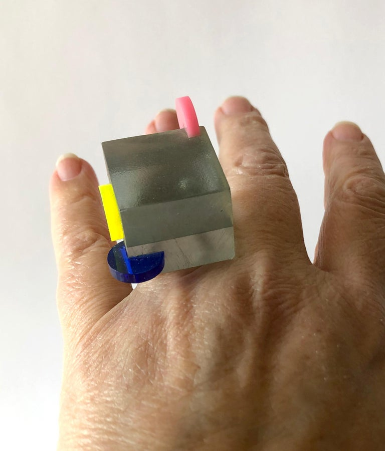 Heidi Abrahamson Sterling Silver Acrylic Cube Post Modernist Architectural Ring For Sale 2