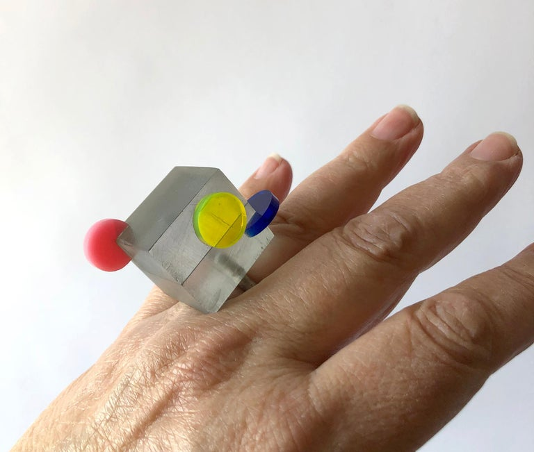 Heidi Abrahamson Sterling Silver Acrylic Cube Post Modernist Architectural Ring For Sale 3