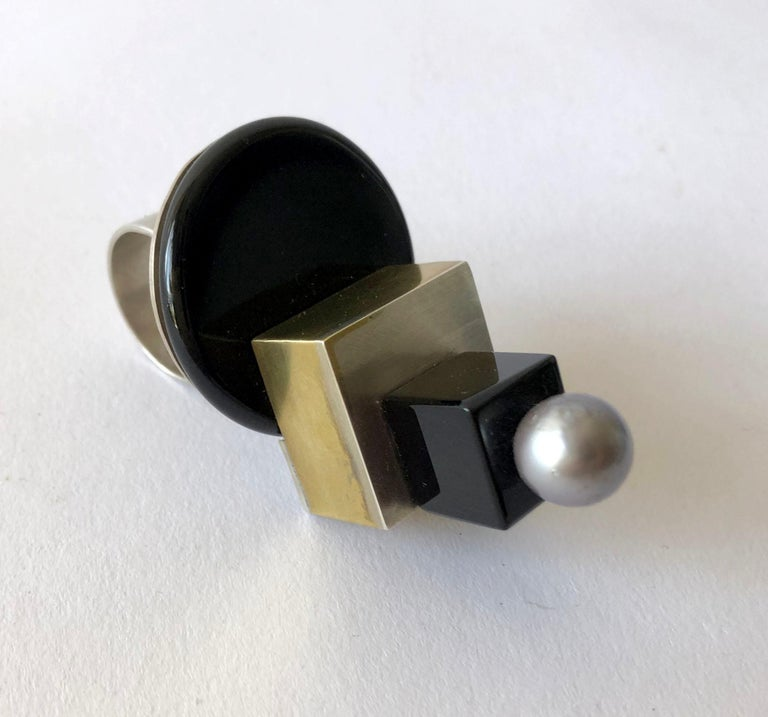 Heidi Abrahamson Sterling Silver Onyx Brass Tahitian Pearl Post Modernist Ring In Good Condition For Sale In Los Angeles, CA