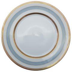 Heinrich Bavaria Porcelain Dinner Service, 18-Piece Gold Rimmed Bone China Set