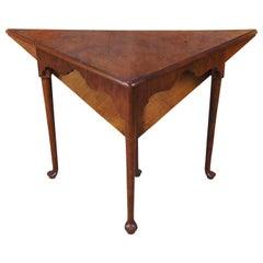 Hekman Furniture Olive Ash Burl Queen Anne Handkerchief Triangular Corner Table