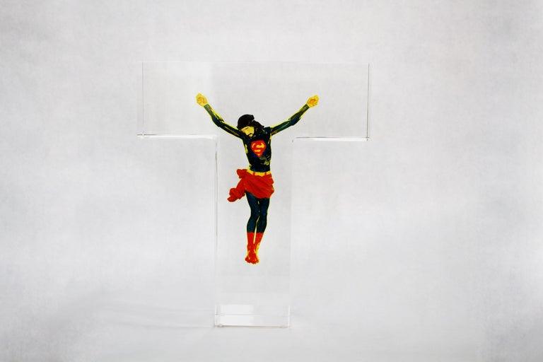 Superman Jesus  - Sculpture by Helder Batista