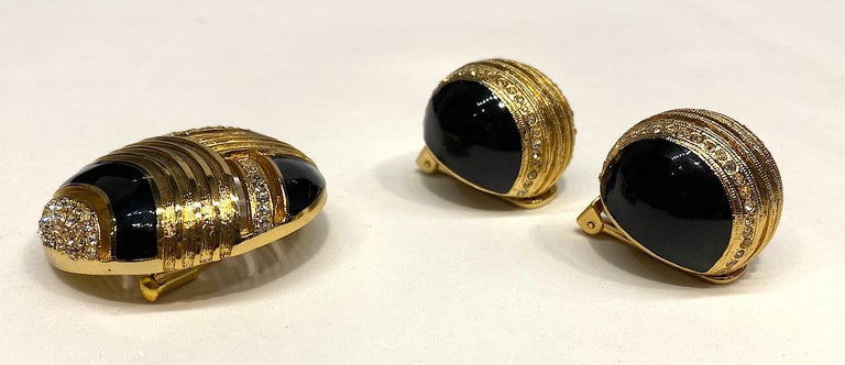 Helena Rubinstein Earring and Brooch Set In Excellent Condition For Sale In New York, NY