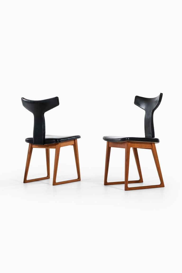 Very rare set of four dining chairs designed by Helge Sibast. Produced by Sibast in Denmark.