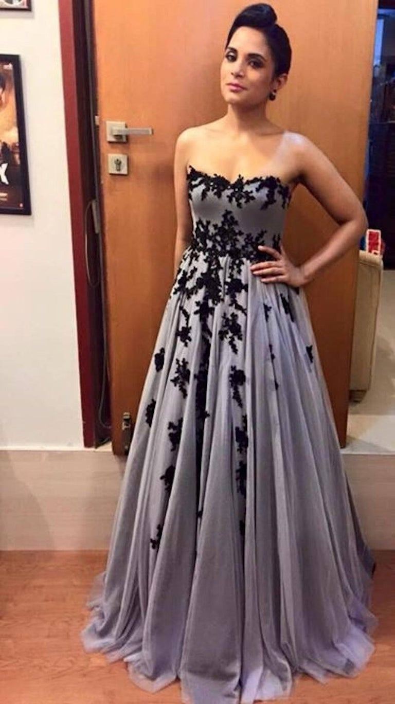 Hema Kaul Couture Embroidered Grey Fairytale Tulle Evening Gown In New Condition In Switzerland, CH