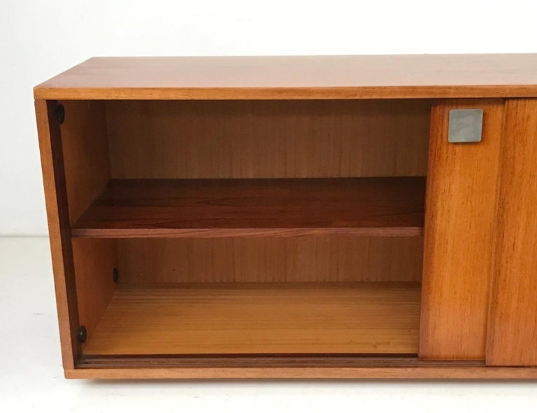 Hendrickx Long Wall-Hanging Sideboard, 1970s In Good Condition For Sale In Brussels, BE