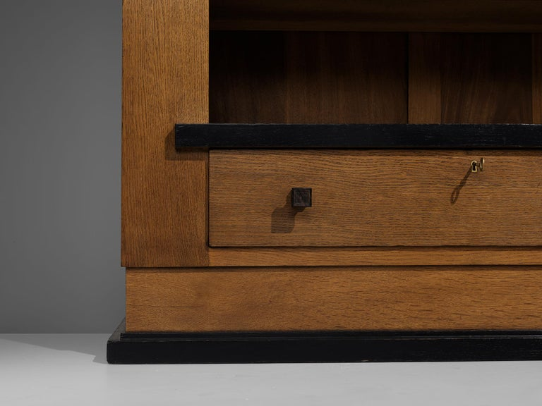Hendrik Wouda for Pander Art Deco Bookshelf in Oak For Sale 1
