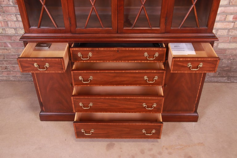 Henkel Harris Georgian Mahogany Breakfront Bookcase Cabinet For Sale 5